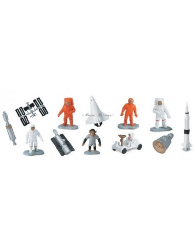 12 figurines dans l'espace