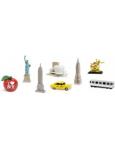 8 figurines New York
