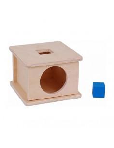 Boite en bois avec porte et cube bleu à encastrer